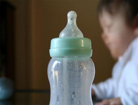 fiambreras o tupper, recipientes de plástico para los alimentos,
