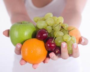 manos-con-fruta1