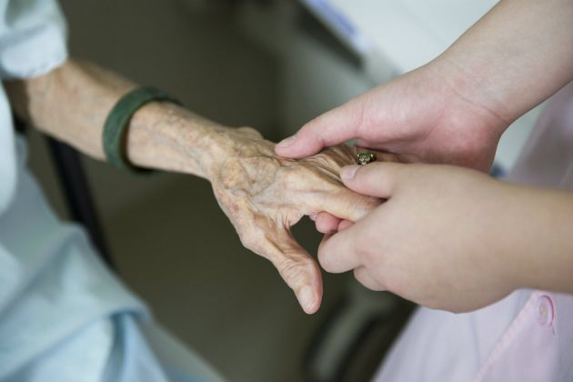 Masajes-terapeuticos-para-pacientes-con-cancer-1