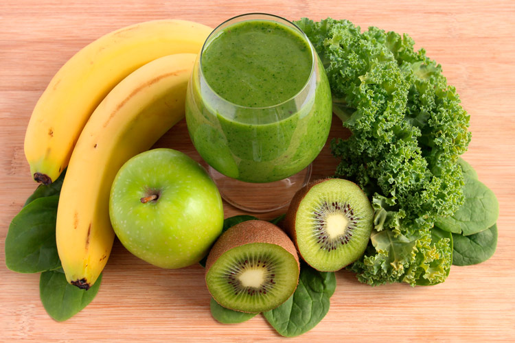 green-smoothie-con-frutas-hortalizas