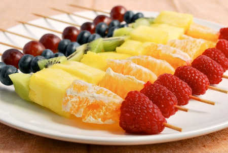brochetas-de-frutas
