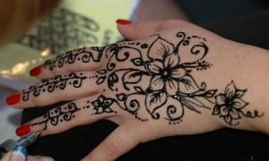 tatuaje-henna-negra