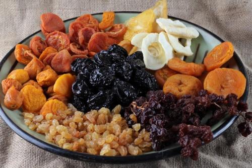 frutos-secos-y-frutas-desecadas-1-960x623-500x334