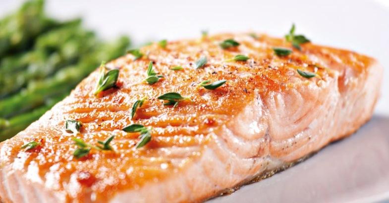 pescado-graso-como-el-salmon-reduce-el-colesterol-y-mejora-nuestra-salud-de-forma-natural